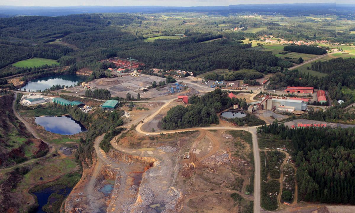 Paisaje área minera, Touro